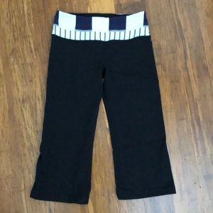 Reversible LuluLemon crop pants size 4